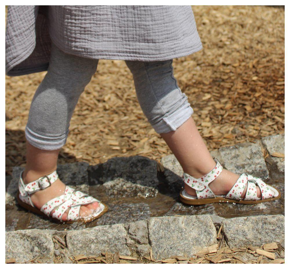 f5c8918486497e GrowingFeet.de - Salt-Water original Sandale Kirschen